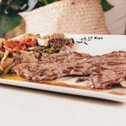 Beef fillet with potaoes, pasta or salad pizzeria La Mina donostia