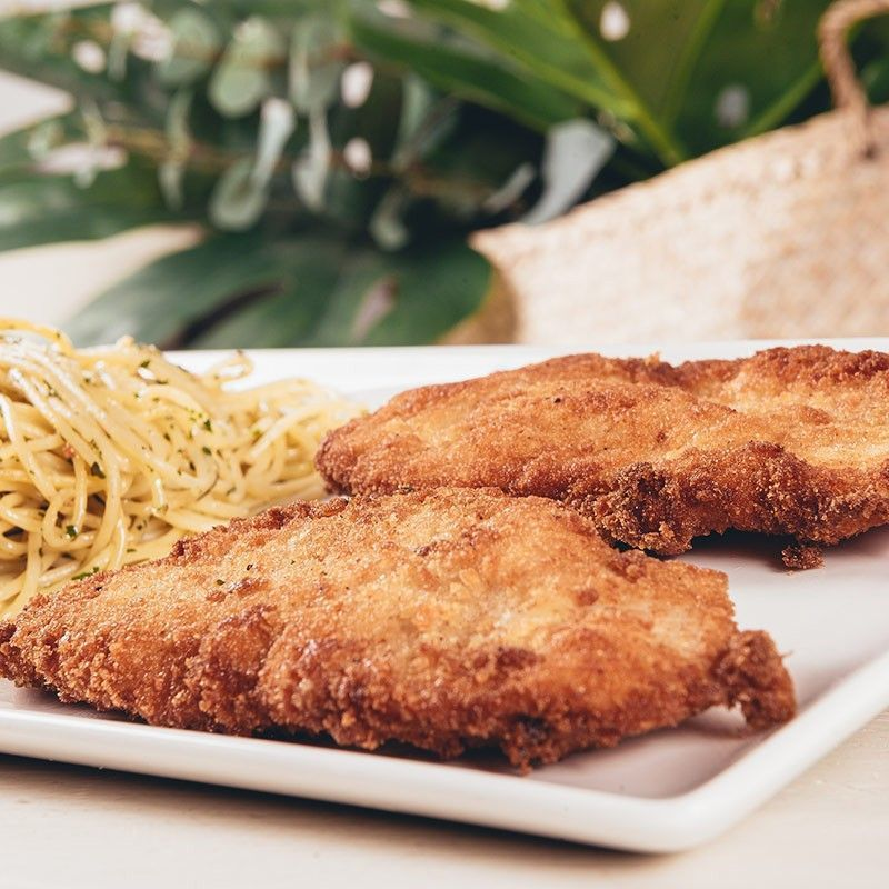 Artisan chicken escalope with Garnish, salad, pasta or vegetables
